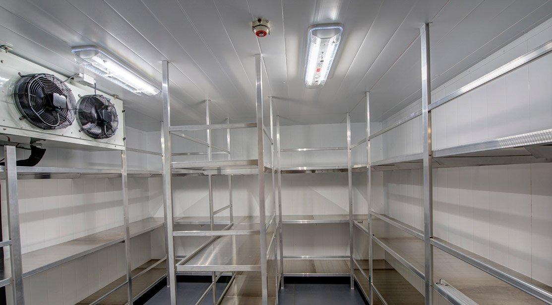 Hệ thống kho lạnh công nghiệp trong nhà hàng